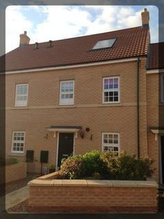 3 bedroom terraced house to rent -  Dickinson Walk,  Beverley, HU17
