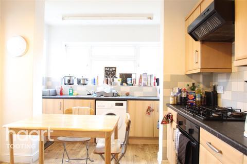 3 bedroom detached house - Trevelyan Road , SW17