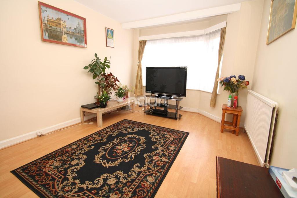 4 Bedrooms Terraced House for sale in Bridgewater Road, Wembley