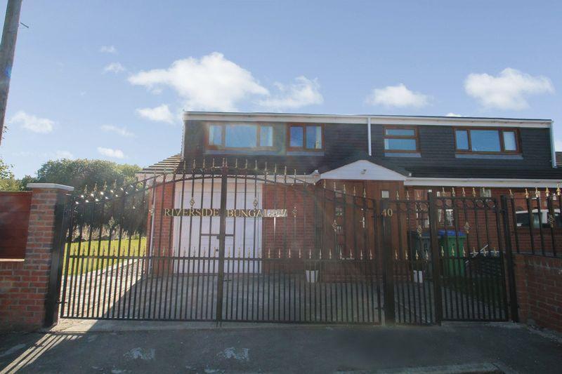 4 Bedrooms Semi Detached House for sale in Gowers Street, Rochdale OL16 2LN