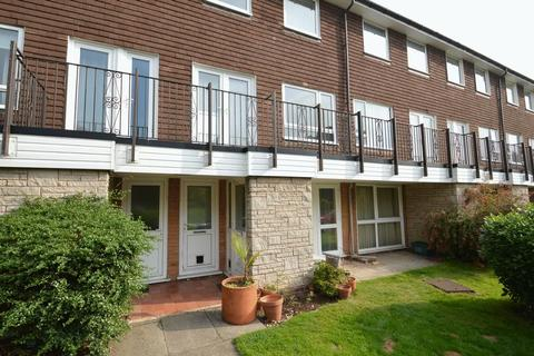 2 bedroom flat to rent - 6 Avon Drive, Moseley, Birmingham B13 9PS