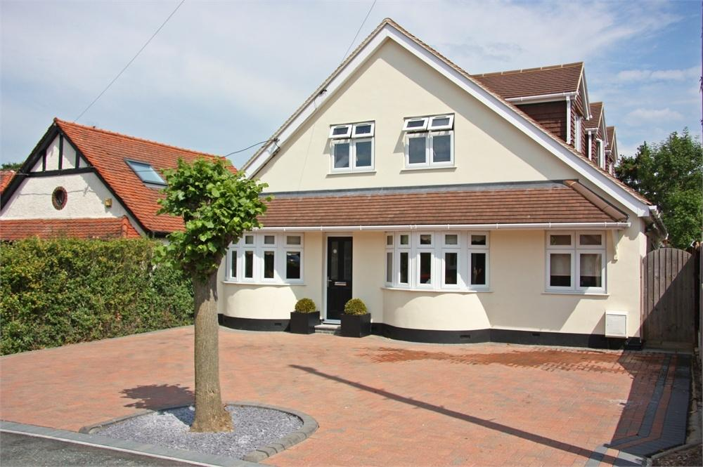 5 Bedrooms Detached House for sale in Hutton, BRENTWOOD, Essex