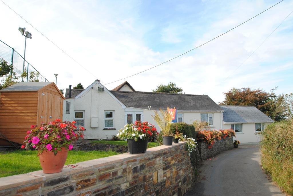 3 Bedrooms Bungalow for sale in Bests Lane, Torrington