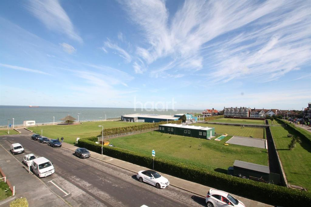 3 Bedrooms Flat for sale in Eastern esplanade,Cliftonville, CT9