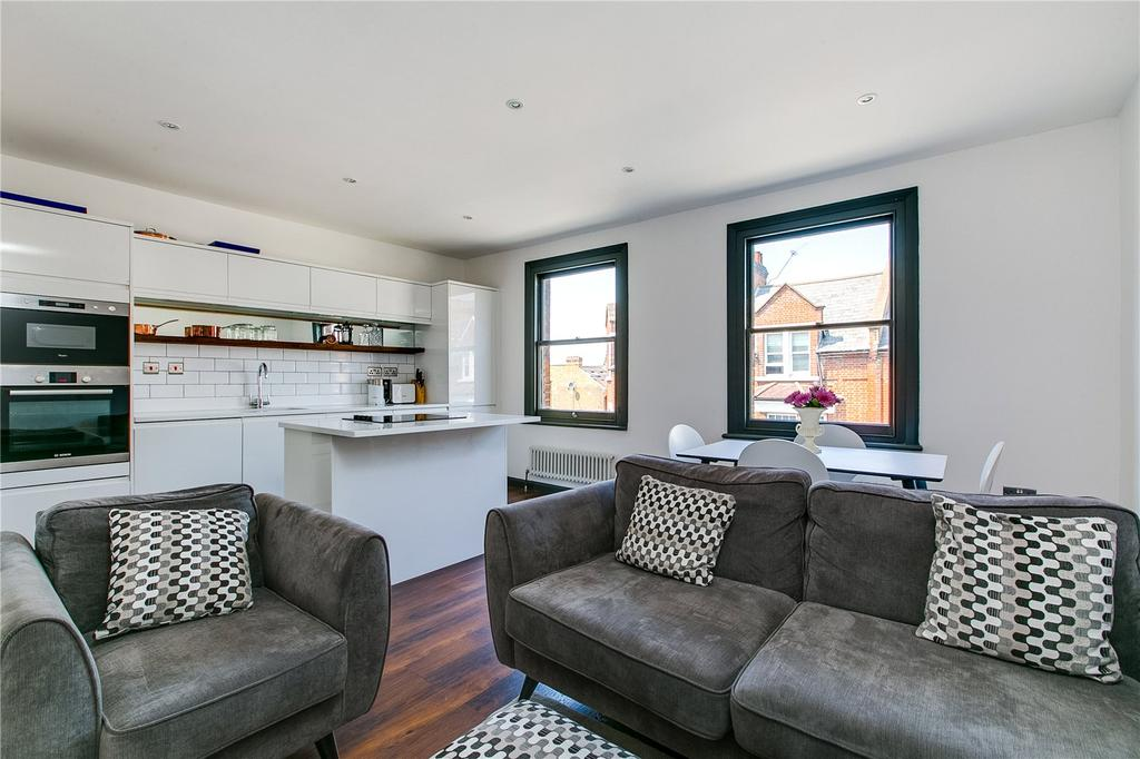 2 Bedrooms Flat for sale in New Kings Road, Parsons Green, London
