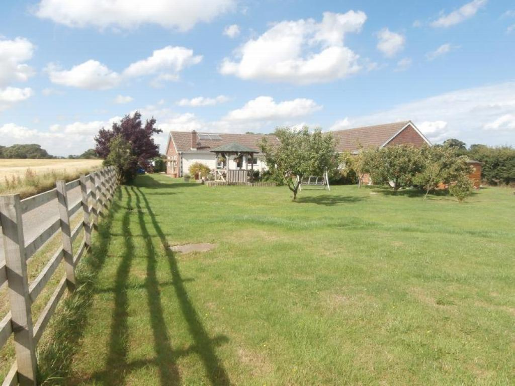 7 Bedrooms Land Commercial for sale in Spacey Field, Thirtleby, Hull HU11