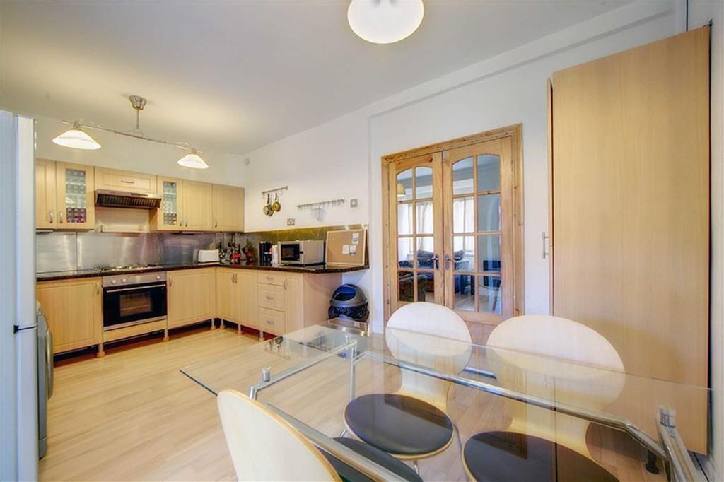 2 Bedrooms Terraced House for sale in Royston Terrace, Walker, Newcastle Upon Tyne, NE6