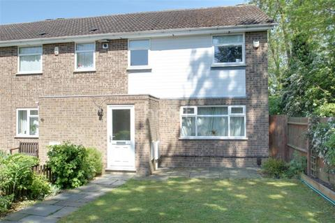 3 bedroom semi-detached house to rent - Bramhall Rise