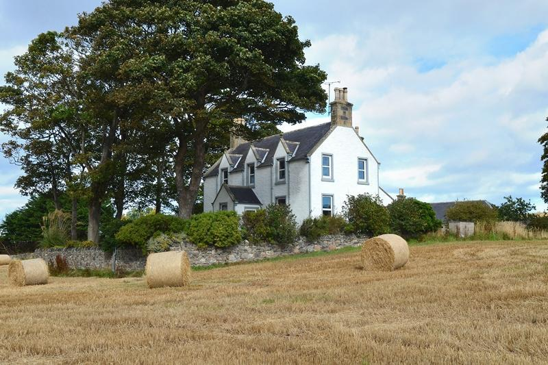4 Bedrooms Detached House for sale in Seafield Farmhouse, Cullen, Buckie, Moray, AB56