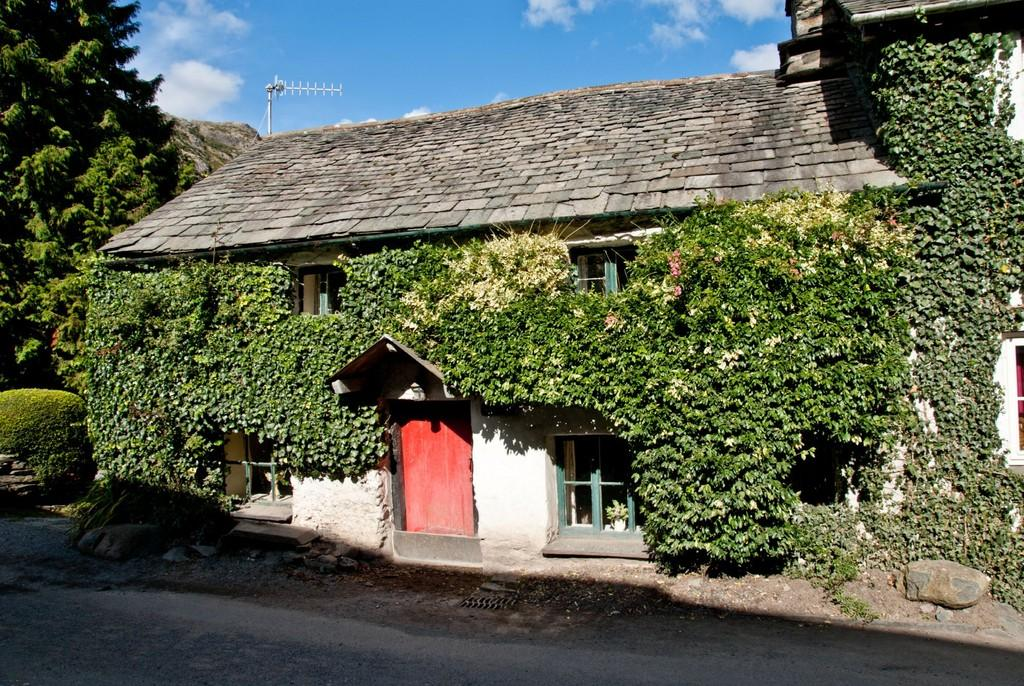 2 Bedrooms Cottage House for sale in Bend or Bump, Coniston, Cumbria LA21 8HQ