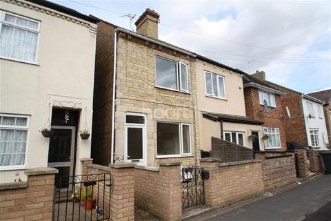 3 bedroom semi-detached house to rent - Queens Walk, Woodston