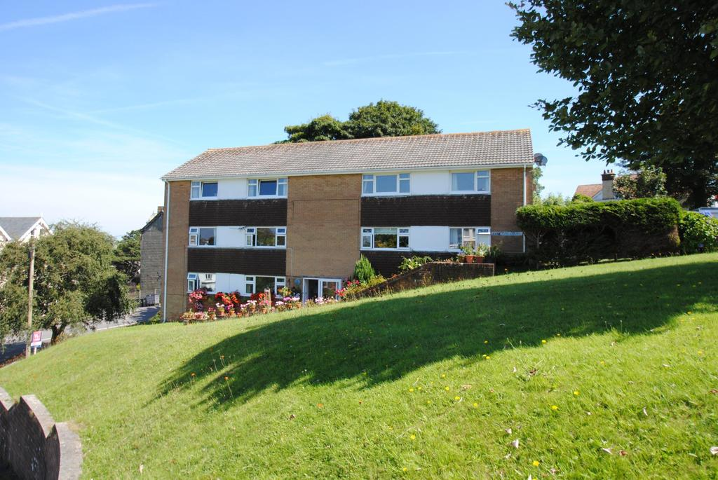2 Bedrooms Flat for sale in Capstone Court, Channel View