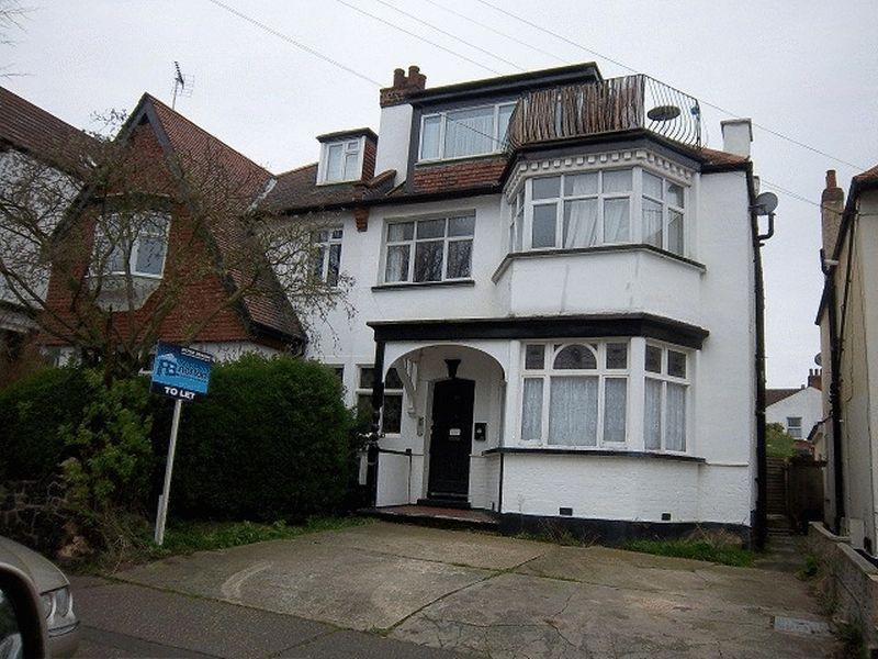 1 Bedroom Flat for sale in Ailsa Road, Westcliff-On-Sea