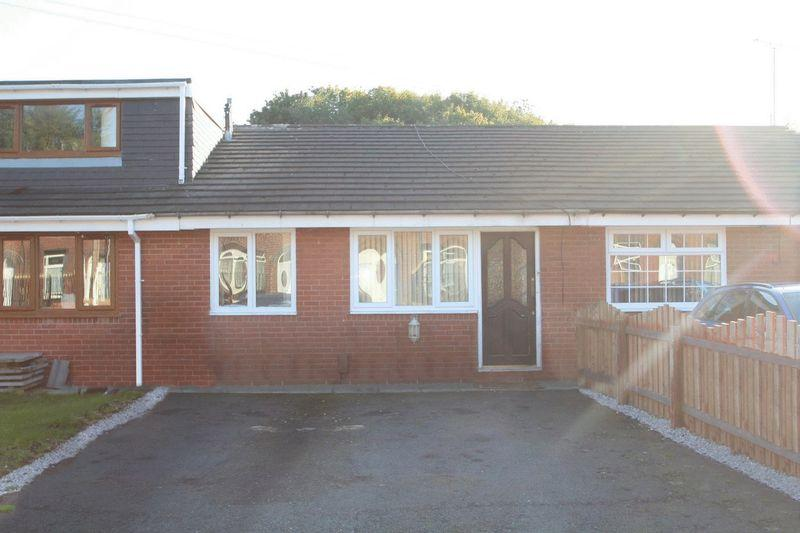 2 Bedrooms Bungalow for sale in Gowers Street, Rochdale OL16 2LN