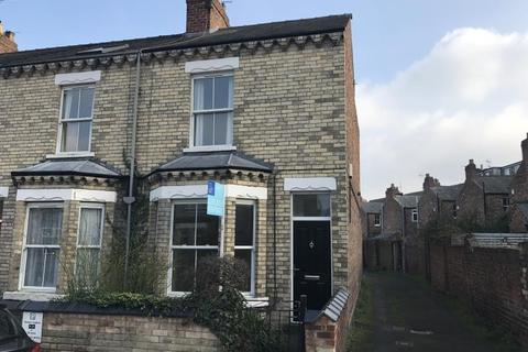 3 bedroom terraced house to rent - EMERALD STREET, YORK, YO31 8LQ