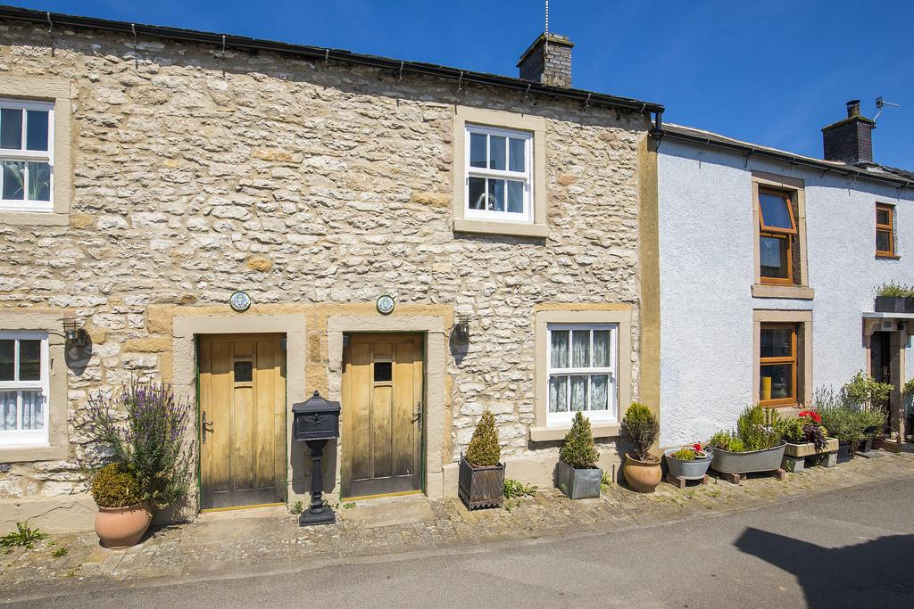 1 Bedroom Cottage House for sale in Off Fountain Square, Youlgrave, Bakewell