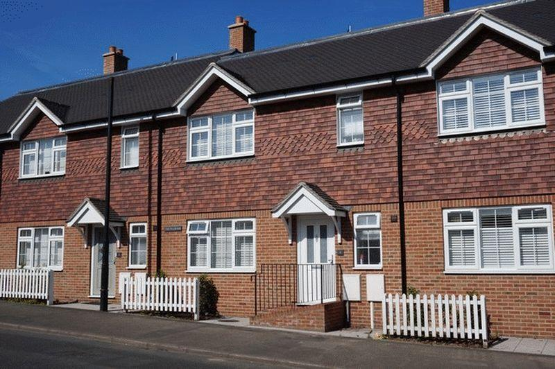 3 Bedrooms House for sale in High Street, Godstone