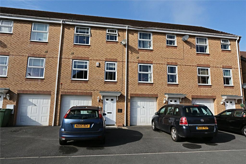 4 Bedrooms Terraced House for sale in Hillwood Court, Thornaby
