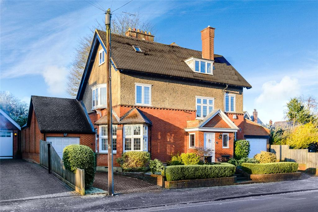 6 Bedrooms Detached House for sale in Avenue St. Nicholas, Harpenden, Hertfordshire