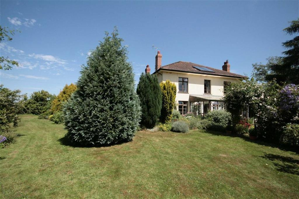 4 Bedrooms Detached House for sale in Newton St Margarets, Newton St Margarets, Herefordshire