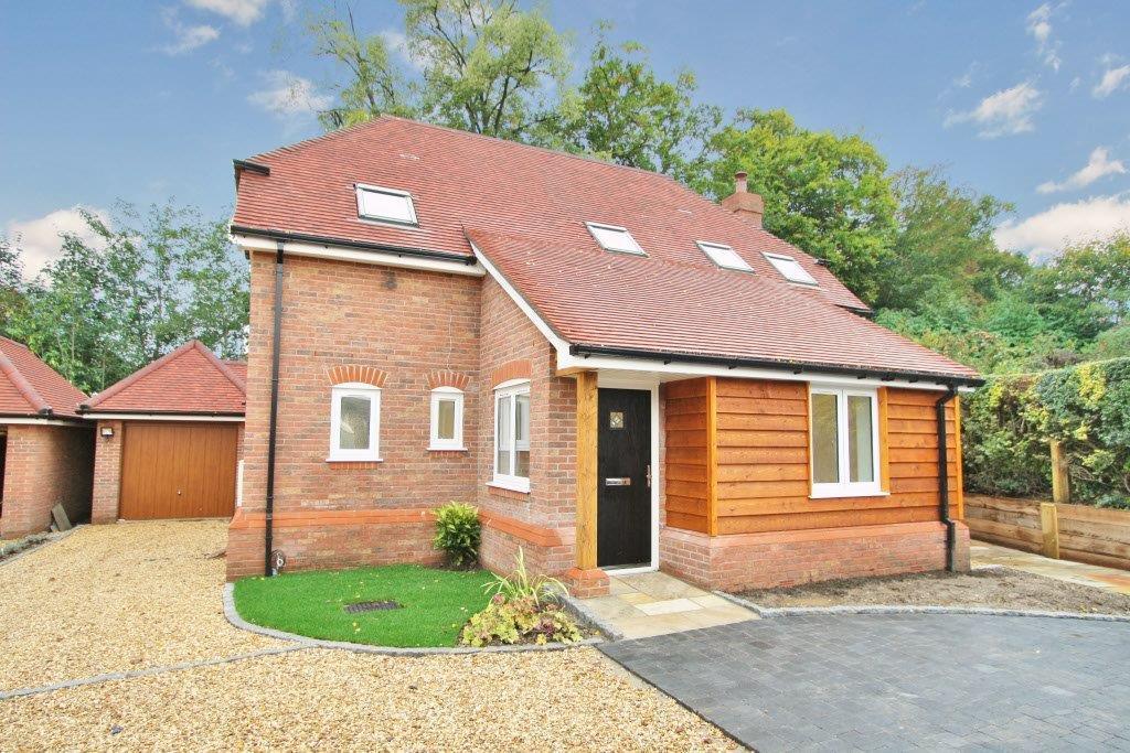 4 Bedrooms Detached House for sale in Jockey Lane, Bishopstoke SO50