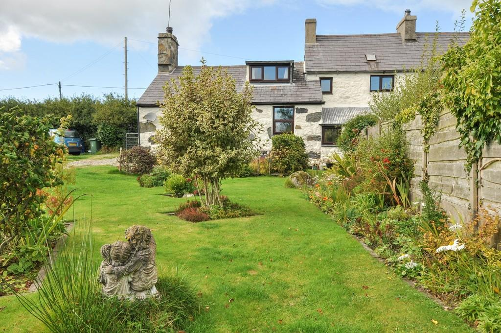 2 Bedrooms Cottage House for sale in Llithfaen, Pwllheli, North Wales