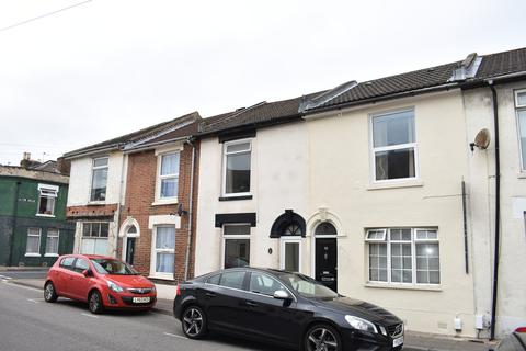 4 bedroom terraced house to rent - Guildford Road, Fratton