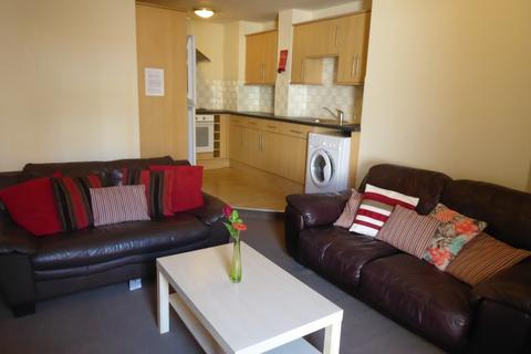 3 bedroom maisonette to rent - Helmsley Road, Sandyford, Newcastle upon Tyne NE2