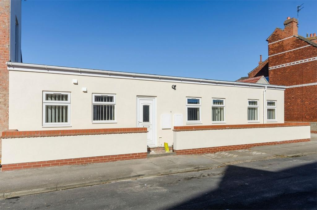2 Bedrooms Terraced Bungalow for sale in The Old Gallery, Cheverton Avenue, WITHERNSEA, East Riding of Yorkshire