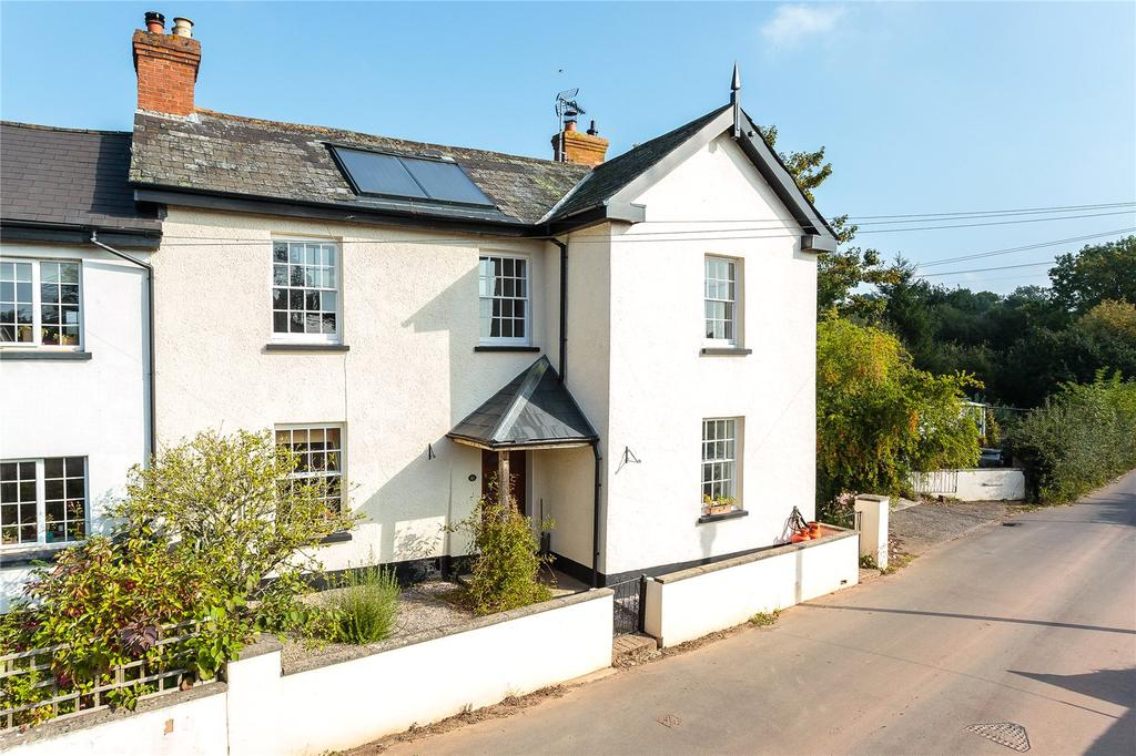 4 Bedrooms House for sale in Shobrooke Village, Crediton, Devon