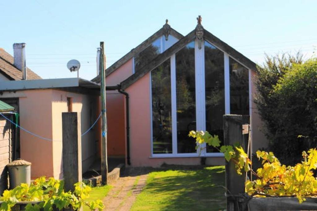 3 Bedrooms Detached Bungalow for sale in Bere Ferrers