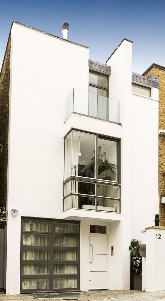 3 Bedrooms Semi Detached House for sale in Aubrey Road, London, W8