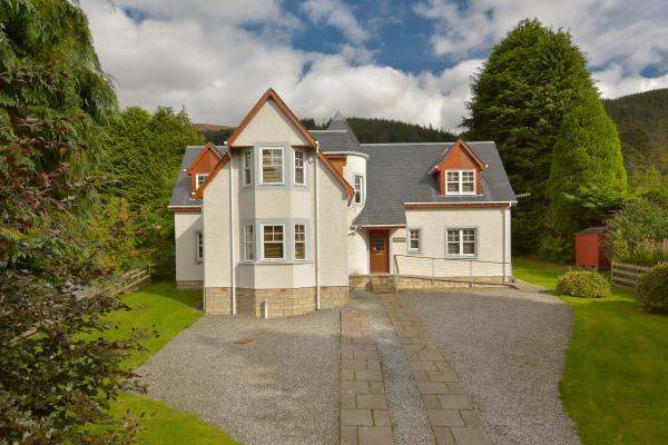 4 Bedrooms Detached House for sale in Arrlochaira, Faskally, Pitlochry, Perthshire, PH16