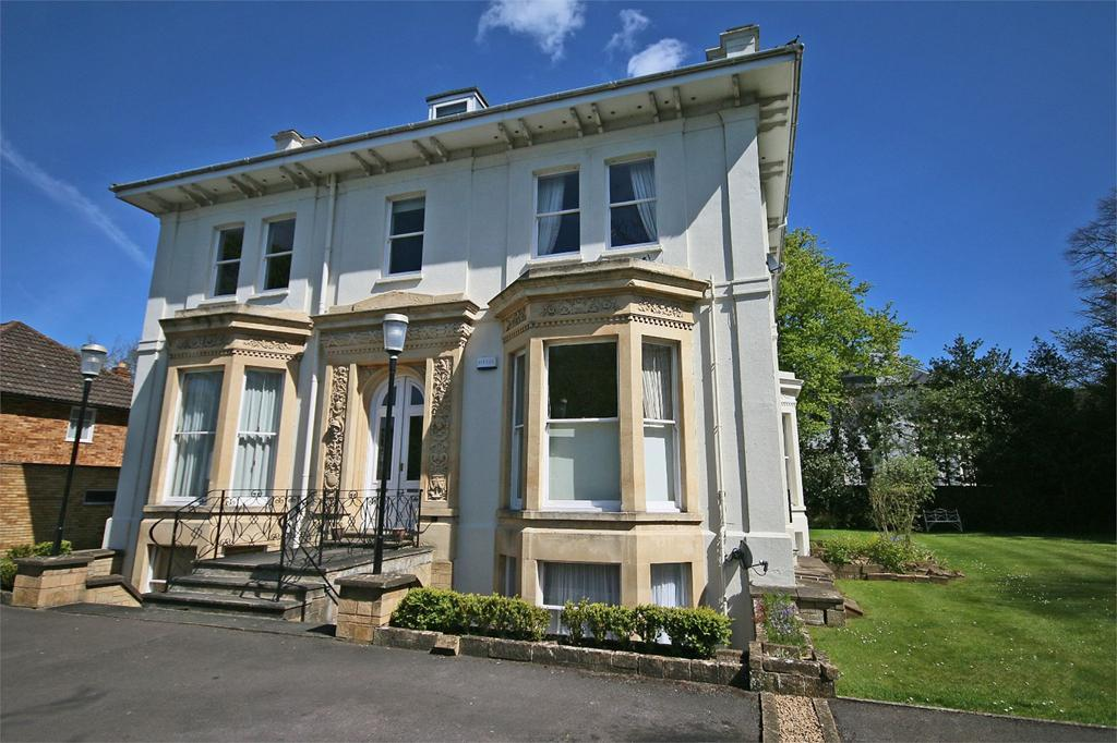 3 Bedrooms Flat for sale in Lansdown, Cheltenham