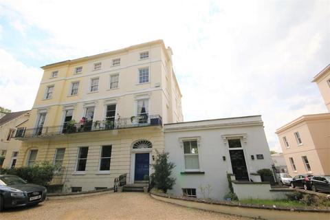 2 bedroom flat to rent - Keynshambury Road, Cheltenham