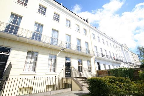 2 bedroom flat to rent - 13-19 Evesham Road, Cheltenham