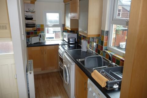 5 bedroom maisonette to rent - Newlands Road, Jesmond, Newcastle upon Tyne NE2