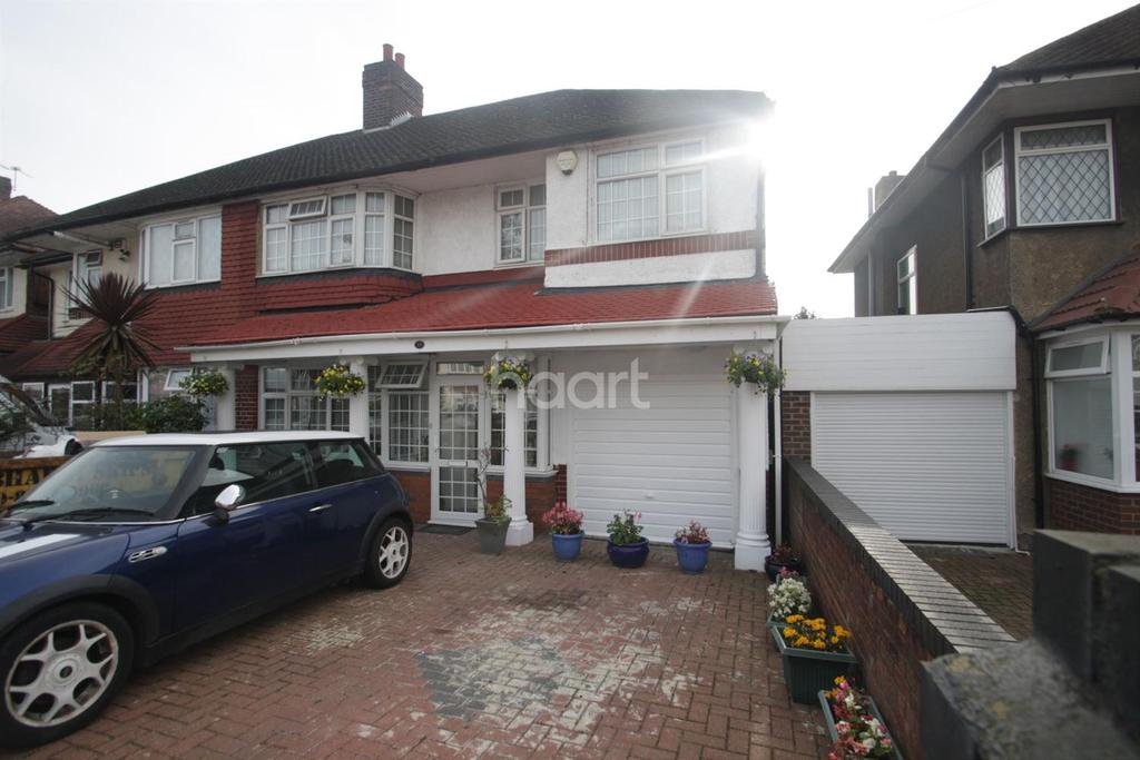 5 Bedrooms Semi Detached House for sale in Thorncliffe Road, Southall