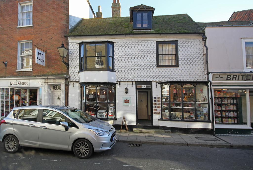 3 Bedrooms Town House for sale in High Street, Rye, East Sussex TN31 7JE