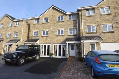 3 bedroom townhouse - Copperfield Close, Clitheroe, BB7 1ER