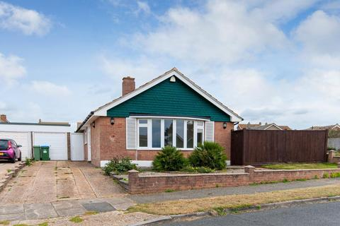 3 bedroom bungalow for sale - Bishops Close, Seaford, East Sussex, BN25 2NW