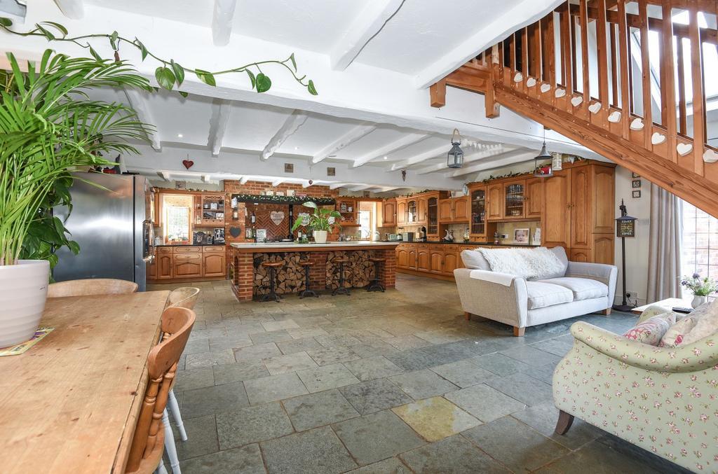 3 bedroom property to rent in Bracknell