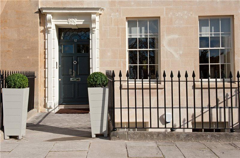 3 Bedrooms Maisonette Flat for sale in Apartment 13, Somerset Place, Bath, BA1