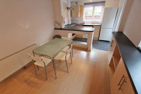 4 bedroom house to rent - Filey Road, Fallowfield, Manchester, M14