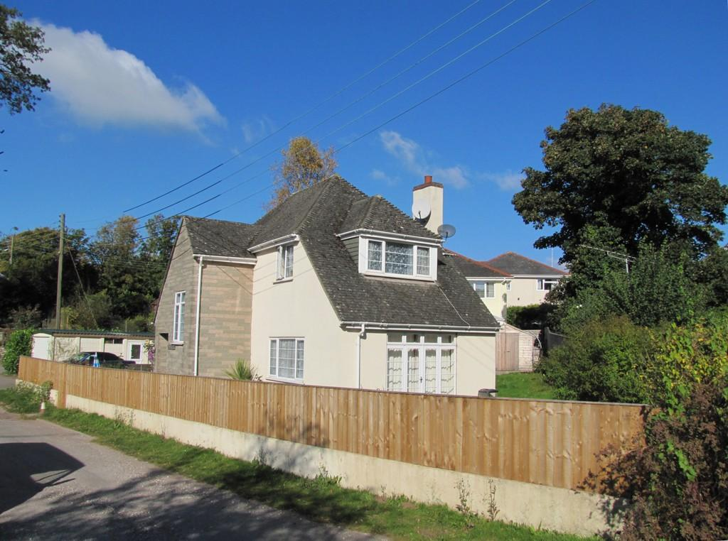 3 Bedrooms Detached House for sale in Holcombe, EX7 0JW