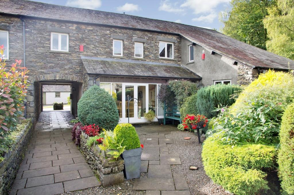 3 Bedrooms Barn Conversion Character Property for sale in Thorphinsty, Cartmel Fell