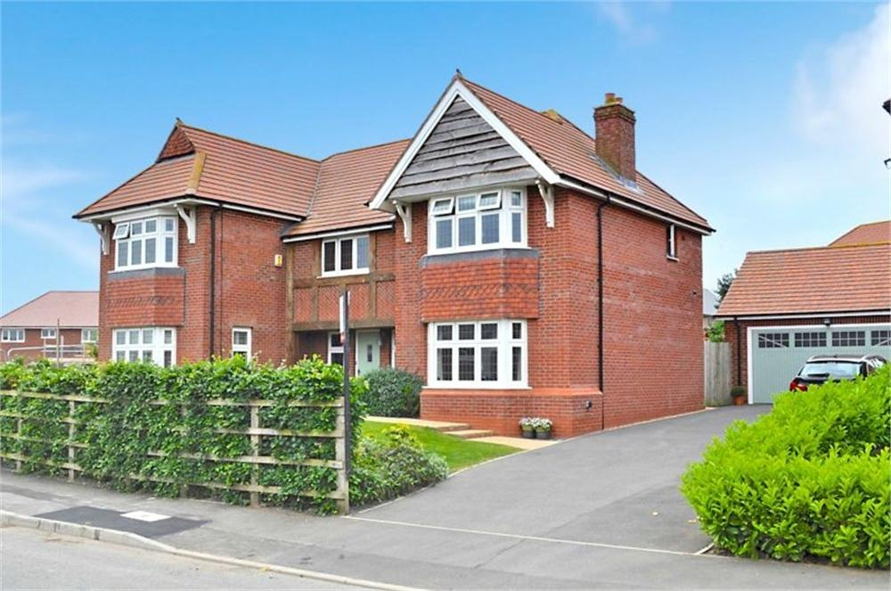 5 Bedrooms Detached House for sale in Douglas Close, Hartford, Northwich, Cheshire