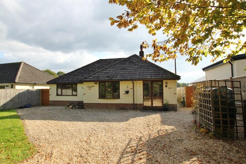 4 Bedrooms Chalet House for sale in Hare Lane, Cranborne