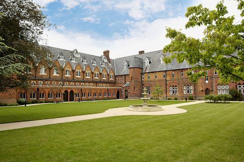 1 bedroom flat to rent - Convent Court, Hatch Lane, Windsor, Berkshire, SL4