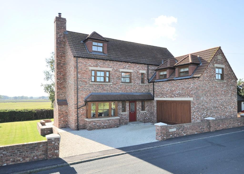 4 Bedrooms Detached House for sale in Pebble Hall, Long Drax